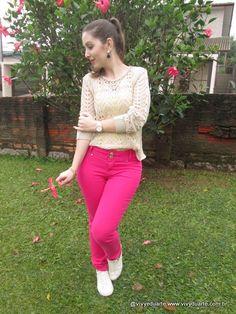 Vivy Duarte: Look do Dia: Calça Pink e Tênis Branco