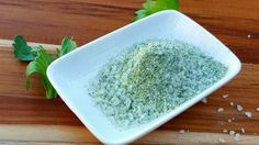 Celery salt:Microwave leftover celery leaves until crisp and mix them with coarse salt for a quick and easy seasoning that would add depth to any dish. Real Food Recipes, Soup Recipes, Dishes Recipes, Food Tips, Delicious Recipes, Free Recipes, Recipies, Celery Salt Recipe, Top Secret Recipes