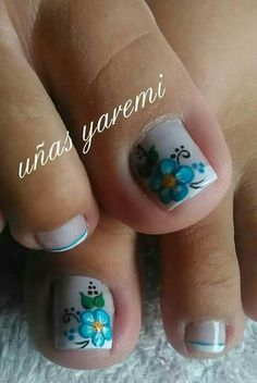 Uñas Toenail Art Designs, Pedicure Designs, Pedicure Nail Art, Toe Nail Art, August Nails, Feet Nail Design, Sunflower Nails, Pretty Toe Nails, Nail Care Tips