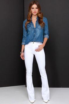 Sugestão camisa jeans e calça branca