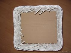 Weave Baskets with Newspaper Wicker You Can Try Recycled Paper Crafts, Newspaper Crafts, Handmade Crafts, Diy Crafts, Recycled Magazines, Handmade Rugs, Paper Basket Weaving, Fun Halloween Crafts, Halloween Cards