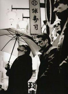 U2-é uma banda de rock irlandesa formada no ano de 1976. O grupo é composto por…