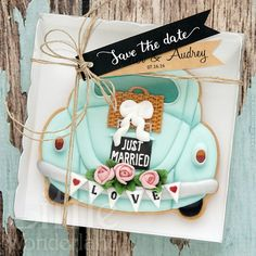 Just married cookie, car with 'Just Married' trunk sign and bumper banner by Little Wonderland