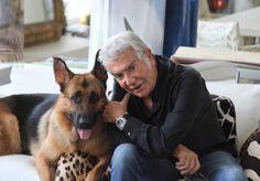 Divulgação - Mas Roberto Cavalli também não resiste aos cachorros e tem um pastor alemão chamado Lupo