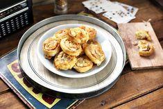 Sajtos-sonkás csiga | Street Kitchen Cheddar, Pancakes, Baking, Eat, Breakfast, Food, Life, Morning Coffee, Cheddar Cheese