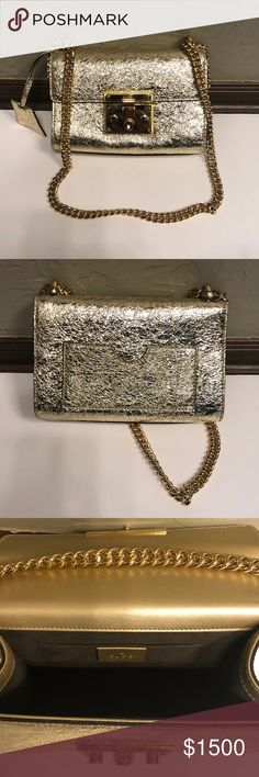 b9262b19580e Gucci Padlock Small Metallic Shoulder Bag Gucci Padlock Small Metallic  Shoulder Bag Made in metallic leather