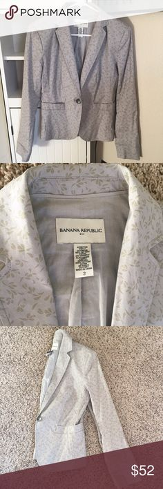 Petite Adorable Blazer Cute lightweight 98% cotton light lavender-gray blazer from Banana Republic. Used a few times with some make up on the inside above the tag (shown). Great condition! Size 2; PETITE and stretchy. Banana Republic Jackets & Coats Blazers