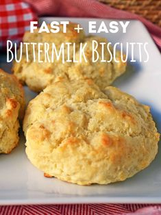 Fast and easy homemade buttermilk biscuits made from scratch in 20 minutes No rolling no cutting out only drop and go Buttery Biscuits in no time Buttermilk Drop Biscuits, Easy Drop Biscuits, Homemade Buttermilk Biscuits, Buttermilk Recipes, Buttery Biscuits, Key Lime Pie Rezept, Easy Biscuit Recipe, Drop Biscuit Recipes, Baking Recipes