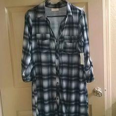 Plaid shirt dress nwt Black/white plaid button up sleeves Bobbie brooks Dresses Midi