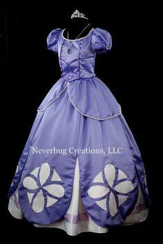 Primer traje de la Princesa Sofia