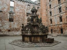 Fountain at Linlithgow Palace Carlisle Castle, Outlander Locations, Wentworth Prison, Scotland Tours, Edinburgh City, Prison Cell, Fort William, Mary Queen Of Scots, Entrance Gates
