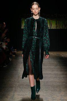 J. Mendel Fall 2016 Ready-to-Wear Fashion Show / défilé de mode prêt-à-porter automne 2016