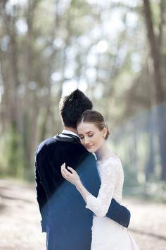 La romántica boda de Xenia y Jeff en el bosque {Foto, Noemi Jariod} #realwedding #bodas #wedding #tendenciasdebodas