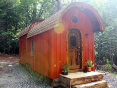old-time-caravan-tiny-house-003