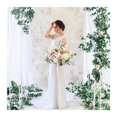 Clean fabrics  Luscious florals  = Absolutely BEAUTIFUL and breathtaking backdrop   Regram  @bybritnaybranson #memorieboothinspire #florals #bride