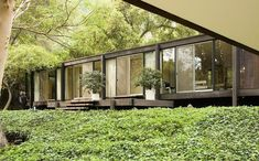 in the hills : architecture : kubly & moore houses : craig ellwood : los angeles – openhouse Bungalows, Residential Architecture, Architecture Design, Shopping In Barcelona, Barcelona Shop, Craig Ellwood, Norway House, Mid Century Exterior, Moore House