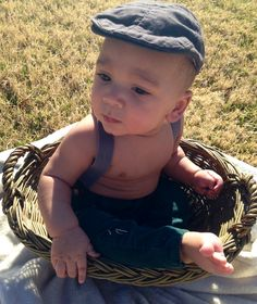 Baby pictures. #photoshoot using a basket.