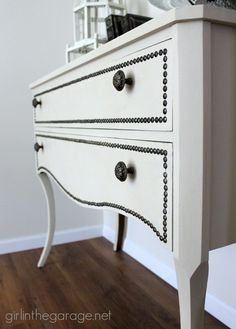 Best Diy Crafts Ideas : Annie Sloan Chalk Paint vanity makeover in Old Ochre with nailhead trim and a re. Chalk Paint Furniture, Furniture Projects, Furniture Making, Home Furniture, Furniture Vanity, Western Furniture, Refurbished Furniture, Repurposed Furniture, Furniture Makeover