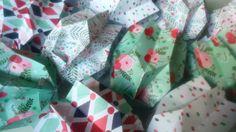 Je suis devenu accro aux lampions et aux beaux papiers de chez @togaparis. #origami #lampion #faitmain #handmade #madeinfrance #créatrice by latelierorigami