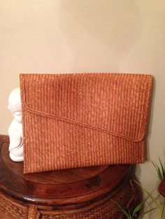 Vintage+woven+straw+clutch+by+LittleMisVintage+on+Etsy,+$16.00