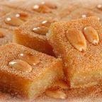 MPOWER/// Namoura - Lebanese Semolina Cake Recipe - My favorite Lebanese dessert! Arabic Dessert, Arabic Sweets, Arabic Food, Lebanese Desserts, Lebanese Recipes, Lebanese Cuisine, Armenian Recipes, Armenian Food, Food Cakes