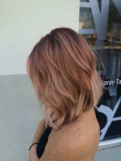 Balyage. Rose gold. Pastel pink. Blunt bob. Textured bob. Beachy waves.