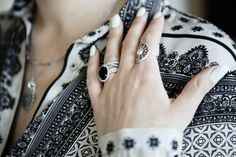 Mix prints and add a lot of rings for a bohemian look #PANDORAstyle #PANDORAring