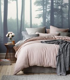 Amazing-Small Bedroom-Decor-Ideas Do you have a small bedroom? Then this is the perfect ideas for you. Great ideas for usefulness Small Bedroom Decor. Gray Bedroom, Trendy Bedroom, Home Decor Bedroom, Bedroom Ideas, Master Bedroom, Bedroom Designs, Bedroom Furniture, Decor Room, Furniture Ideas