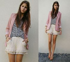 Chevron, blazer, pink, shorts. This could be my ideal outfit!