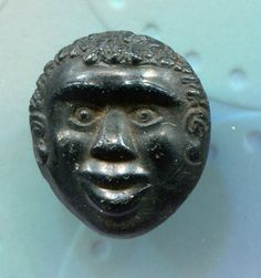 ButtonArtMuseum.com - Vintage Button Small Wood Wooden Carved Face ...