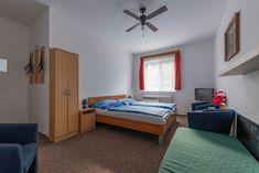 Rodinný penzión Vilo Bratislava v tichom prostredí na okraji starého mesta. Izby s TV a vlastnou kúpeľňou. V blízkosti je Bratislavský hrad. Bratislava, Tv, Furniture, Home Decor, Decoration Home, Room Decor, Television Set, Home Furnishings, Home Interior Design