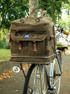 Waxed Porteur Rack Pack by Laplander Bags Surly Long Haul Trucker, Surly Bike, Bike Panniers, Touring Bicycles, Cycling Bag, Velo Vintage, Bicycle Basket, Cargo Bike, Bicycle Parts