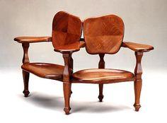 """Muebles Modernistas de Antonio Gaudí. Al momento de diseñar muebles, Gaudí pensaba primero en el usuario y en su esqueleto: el mueble debía ajustarse perfectamente a su cuerpo para que fuera perfecto.Los muebles de Gaudí parecen haber sido fabricados con elementos maleables, blandos. Son sus curvas y sus formas """"naturales"""" las que dan esa impresión.Sin dudas, un genio."""