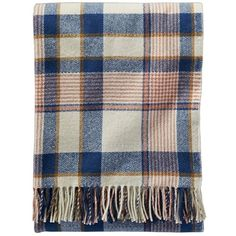 Pendleton 'Hampshire Plaid' Throw Blanket & Carrier (€110) ❤ liked on Polyvore featuring home, bed & bath, bedding, blankets, accessories, ivory, ivory throw, ivory throw blanket, picnic blanket and plaid bedding