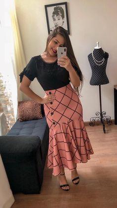 #lojamustachestore7  #vestido #estampa #estilo #rosas #flores #floral #moda #modesta #paratudoqueelavaipassar #gospel #cristã #evangélica #pisamenos #naotemnaoamar #simplesmentexonada #modamodernaclassica  #bembasiquinha #migasualoucaarrasou #lindasemservulgar #lacretotal  #temcomonaoamar #LookFechaçao #Top #poderosa #powerful #princess #vestido  #dress #flower #flores #kapadokya  #simple #modern #modest #fashion #mustachestore Event Dresses, Casual Dresses, Modest Fashion, Fashion Outfits, Kids Dress Wear, Africa Dress, Trend Fashion, Lace Dress With Sleeves, African Fashion Dresses