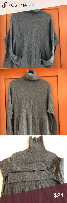 Garnet Hill XS wool/cashmere A line swing sweater Size XS/small it's a full swing style a line sweater. 70 wool/30 cashmere. Two pockets in front. Very pretty and warm looks awesome with leggings and boots! Sweaters Cowl & Turtlenecks
