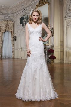 ed90ff56c7e3 Beautiful Justin Alexander wedding gown, once worn, available for rent or  purchase! Size