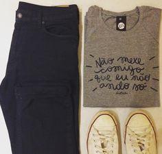 Tshirt Não mexe comigo que eu não ando só.  Opção também em regatão.  #vestimentacamiseteria #ideiasdevestir #tshirt #tee #camiseta