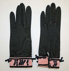 Gloves  Hermès  (French, founded 1837)  Date: 1945–50 Culture: French Medium: suede, silk