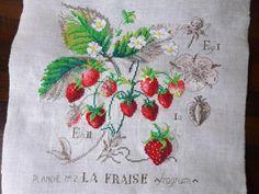 Erdbeeren, Kreuzstich handgestickt nach einer Vorlage von Véronique Enginger Strawberries in cross stitch, pattern by Véronique Enginger