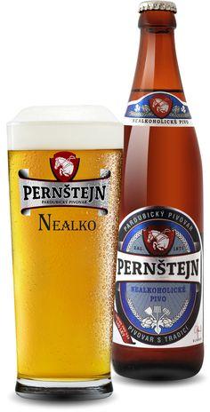 Pernštejn nealkoholické pivo Nealkoholické pivo Pernštejn se vyznačuje intenzivním a čistým sladovým aroma s nízkou hořkostí. Vzhledem k zanedbatelnému obsahu alkoholu může být příjemným osvěžením pro motoristy, sportovce i osoby v rekonvalescenci.
