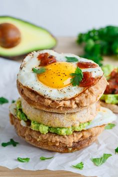 Huevos Rancheros Breakfast Sandwich on Closet Cooking Mexican Breakfast Casserole, Breakfast Enchiladas, Mexican Breakfast Recipes, Mexican Food Recipes, Paleo Breakfast, Breakfast Ideas, Dinner Recipes, Huevos Rancheros, Tostadas
