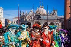 La magia y el encanto del carnaval veneciano./The magic and charm of the Venetian carnival. Carnival Of Venice, Carnival Masks, Harbin, Venice Italy, Pamplona, Tenerife, Stock Photos, Traditional, Canvas