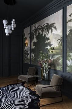 This sophisticated apartment in Paris perfectly embodies the modern variation of French classics. Here minimalism meets classics with stucco molding, and ✌Pufikhomes - source of home inspiration Living Room Colors, My Living Room, British Colonial Decor, Deco Studio, Interior And Exterior, Interior Design, Bright Rooms, Wall Molding, Cool Apartments