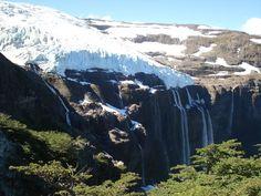 El glaciar Castaño Overo es un pequeño glaciar ubicado sobre el lado argentino del cerro Tronador, dentro del Parque Nacional Nahuel Huapi.