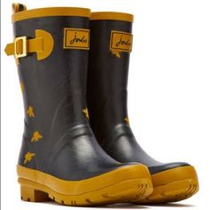 NIB-Joules Rain Wellies Boots - bee stylin' Sold out on the website. Adorable and functional. New in box. These boots are 11 inches high. The circumference at the top of the boot is 15 inches.These actually fit 8-8.5. Price firm. Joules Shoes Winter & Rain Boots