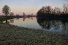 Masio in AL il lungo fiume e i suoi riflessi in un'alba d'inverno