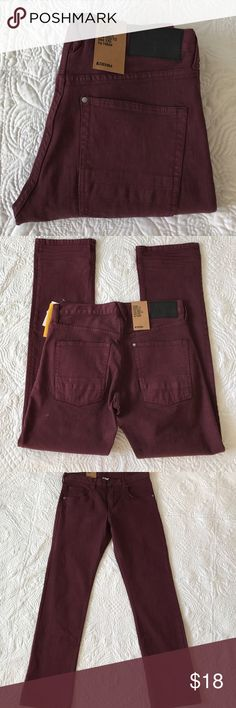 """Boys H&M burgundy jeans Brand new with tag. Waist 31"""" inseam 31"""" rise 9"""". 99% cotton 1% elastane H&M Bottoms Jeans"""