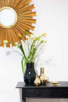 So Funktioniert Der Look »Classy Chic« Für Echtes Luxus Ambiente: Setzen  Sie Das Deko Konzept Im Raum Fort, Z.B. Mit Einem Vasen Arrangement Auf  Einem ...