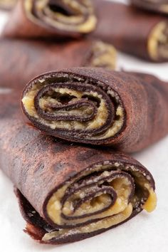BEST Keto Butterfinger – Low Carb Keto Butterfinger Candy Roll Ups Recipe – Quick and Easy Ketogenic Diet Idea. Easy keto recipes for BEST Butterfinger candy roll ups. Keto Foods, Ketogenic Recipes, Keto Snacks, Paleo Meals, Paleo Food, Low Carb Desserts, Low Carb Recipes, Healthy Recipes, Dessert Recipes